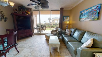 Ground Floor Condo Where Great Summer Memories Are Made! Doral 109