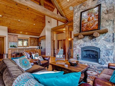 Photo for Wiese Mountain Retreat at the Highlands, Private Hot Tub, Wi-Fi, Gourmet Kitchen