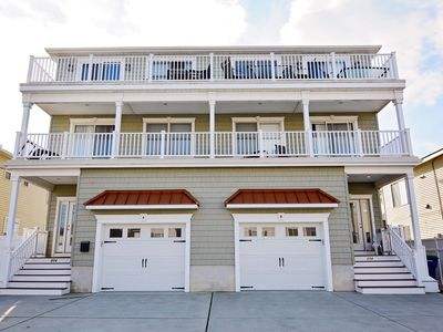 Photo for **SPORTS BETTING MINUTES AWAY IN AC!!*** 5 Bed/ 4.5 BA **Pets Ok! Elevator!