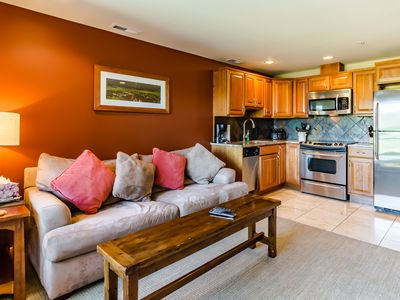 Photo for Downtown Chelan condo w/ private balcony & shared pool!