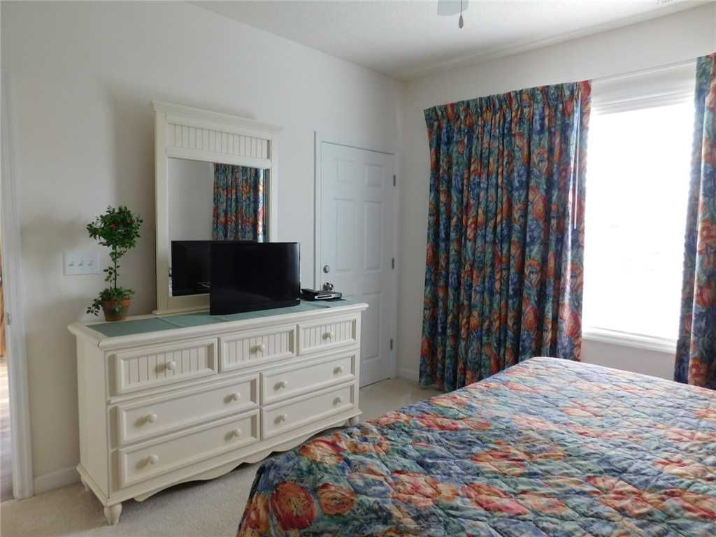 Nicely Decorated 2nd Floor Condo in Ironwood! Great for Families, Golfers & Friends!