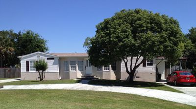 Photo for Daytona Beach - Holiday home with pool 5 min from Beach 3bedr / 2bathr 7 pers.