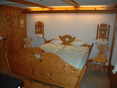 Photo for Apartment Bärgchutzli Parterre in Adelboden - 2 persons, 1 bedrooms