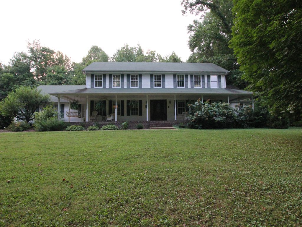 Beautiful 4000 Sq Feet White Plantation Home With Wrap Around Porch