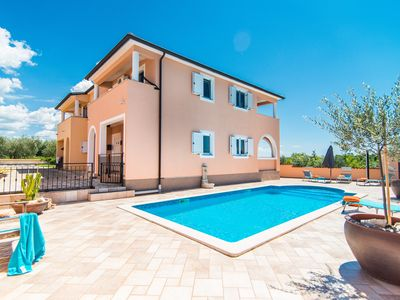 Photo for Villa Karoli beautiful holiday home with pool in Istria Porec Tar