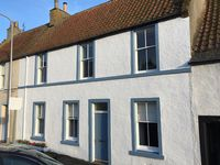 Stunning situation from which to love and admire the East Neuk. Spotless