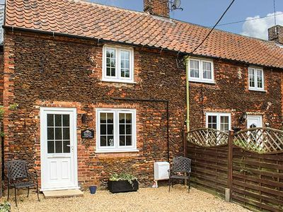 Photo for MEGGIE'S COTTAGE, character holiday cottage in Dersingham, Ref 958799