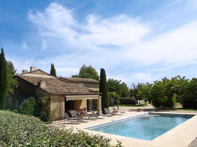 Photo for South Luberon, Mas of charm ****, 6 people, swimming pool, property of 1 ha