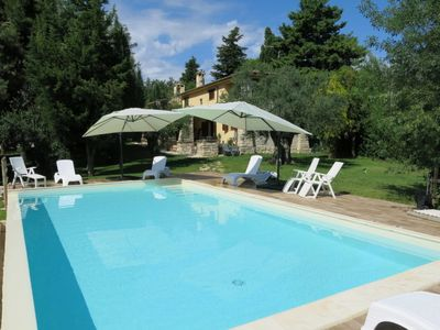 Photo for 5 bedroom Villa, sleeps 12 in Chiavelli with Pool and WiFi