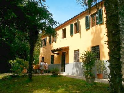 Photo for Lovely detached house with private swimming pool, near Lucca