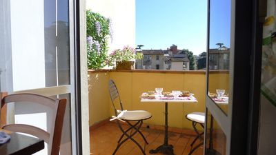 Photo for Spacious Bartolommeo VI apartment in Campo di Marte with WiFi, integrated air conditioning (hot / c…