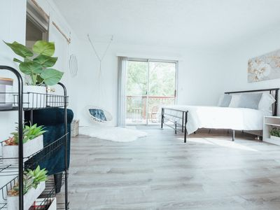 Photo for Farmhouse Stay: King Bed & Big Kitchen, ETSU 1 Mile Away