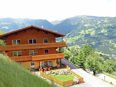 Photo for Spacious holiday home between Zell am Ziller and Gerlos skibus stop at the door