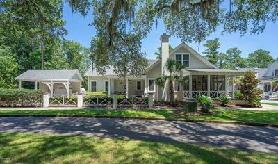 Photo for Canton Cottage, Habersham, Beaufort,