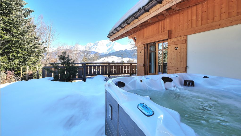Luxury chalet with outdoor jacuzzi, Mont Blanc view, daily ...