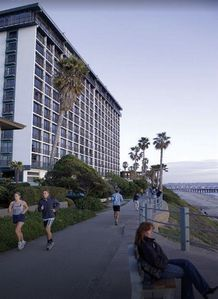 Photo for 2 Bedroom Condo Suite Oceanfront! Pacific Beach/Mission Beach   Capri by the Sea