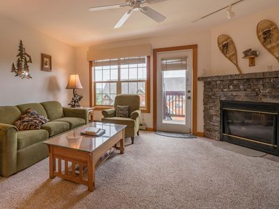 Photo for 2 BEDROOMS, 2.5 BATHS: Ski In / Ski Out. Gas Fireplace. Camp 4 Hot Tub. MASTER Bedroom:Pillowtop Que