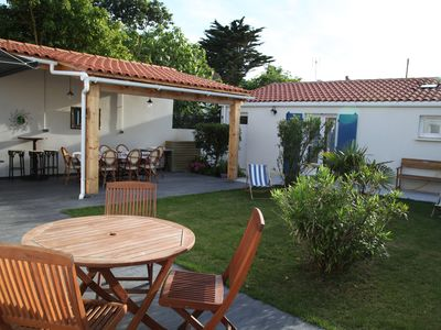 Photo for House Bungalow 100 m from the beach, with garden, courtyard and outbuildings.