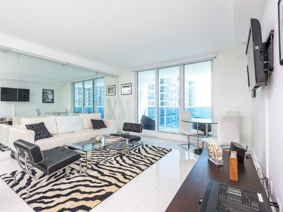 Photo for Spacious 2 bedroom & 2 bathroom unit at the Roney Palace South Beach