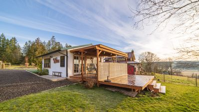 Photo for Comfortable Farmhouse with Panoramic Views