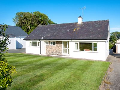 Photo for Not only does this detached bungalow sit in a quiet location in Abersoch, but it also offers a chanc
