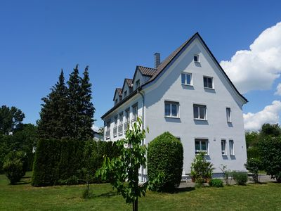 Photo for Spacious apartment, 300 m / 5 min to the shores of Lake Constance in Friedrichshafen-Fischbach