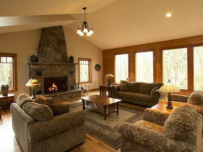 Photo for Mountain Style Lodge 4 blocks from downtown McMinnville. A peaceful oasis!