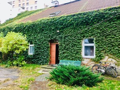 Photo for Apartment in Ivy covered house, near Old Town