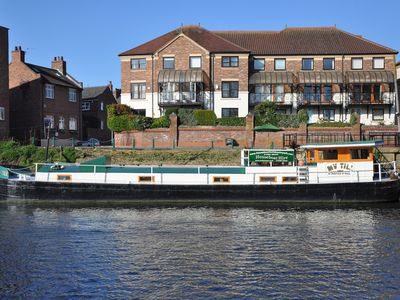 Photo for Luxury Residential Housboat a stones throw from York City centre - Sleeps 6