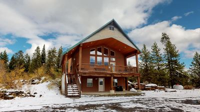 Photo for TANGLEWOOD LODGE HOT TUB FREE WIFI BBQ GRILL FIRE PIT 35MIN TO YNP BBALL & VOLLEY BALL COURTS
