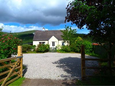 Photo for COSY COTTAGE, pet friendly, with open fire in Cannich, Ref 924176
