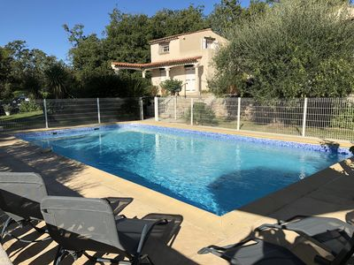 Photo for Spacious villa with pool in Provence