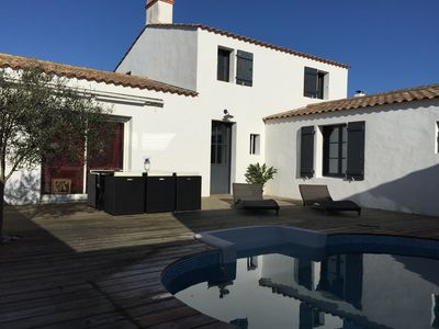 Photo for Charming House with Private Pool 200 m from the beach, quiet and comfort