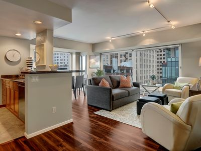 Photo for 2 Bd Elegant Metropolitan Oasis✺WALK TO PIKE MARKET & WATERFRONT✺ 5/4-12