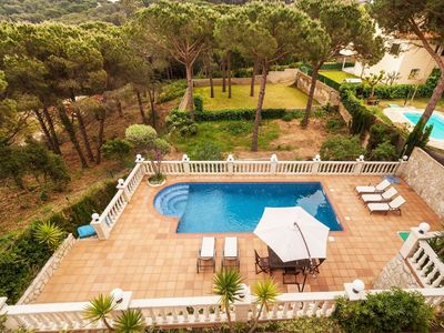 Photo for Cosy apartment for 8 guests with private pool, WIFI, TV and balcony