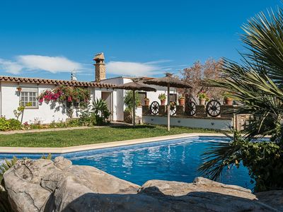 Photo for In idyllic location and with pool - Estudio