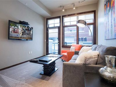 H209A by Pioneer Ridge: Great Downtown Location + Free City Bus + Walk to Shops & Restaurants
