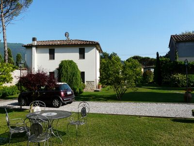 Photo for Elegant apartment in a villa near Lucca, Anna