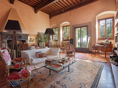 Photo for Luxury in historical villa on the Florentine hill