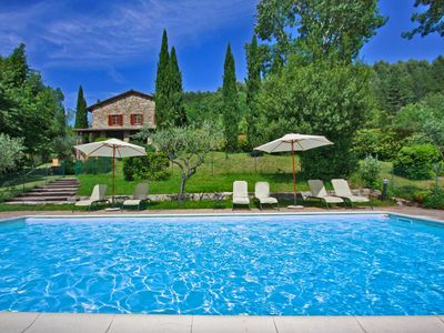 Photo for Private Farmhouse with pool, wi-fi, pet-friendly, near Assisi, Umbria