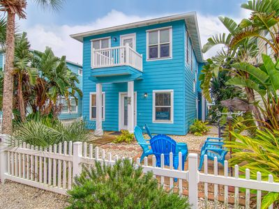 Photo for The Ohana Hut: Blocks from the Beach, 2 Pools, Pets, Ocean Breezes, Golf Cart