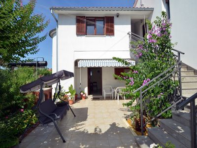 Photo for Holiday house with air conditioning and barbecue terrace