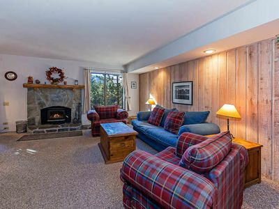 Photo for Walking distance to the Village- condo w/ DVD, WiFi, Balcony *Complex Hot Tub, Pool*