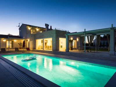 Photo for Extraordinary luxury design villa with pool,spa and wellness !