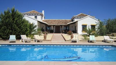 Photo for Spacious Country House with Private Pool & Mountain Views