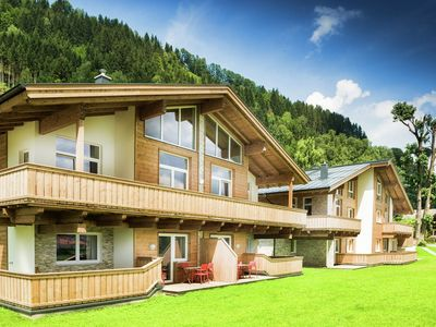 Photo for 4BR Apartment Vacation Rental in ZELL AM SEE