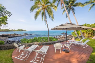 Fabulous oceanfront lanai with many chairs and lounges!