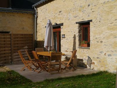 Photo for Spacious holiday home with heated swimming pool, in rural setting near Angers