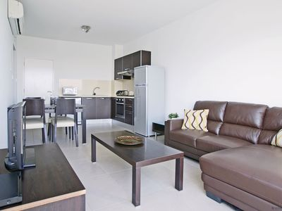 Photo for SHARON - 1bed apartment walking distance to fig tree bay beach