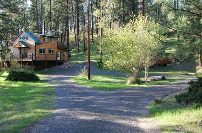 Circular drive in front of Cabin